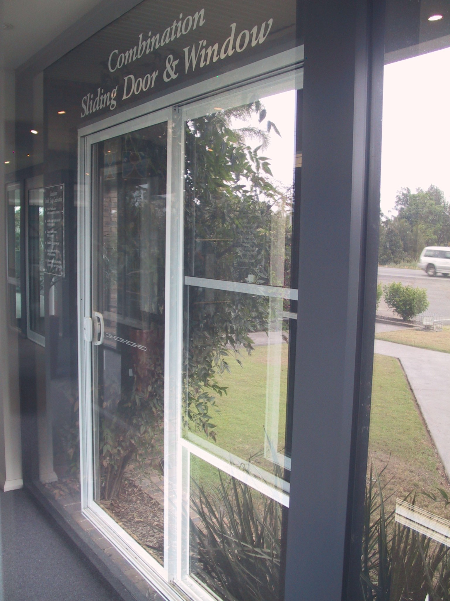 Aluminum Combination Sliding Door and Windiow 01 & Aluminum Combination Sliding Door and Windiow 01 - Townsville ...