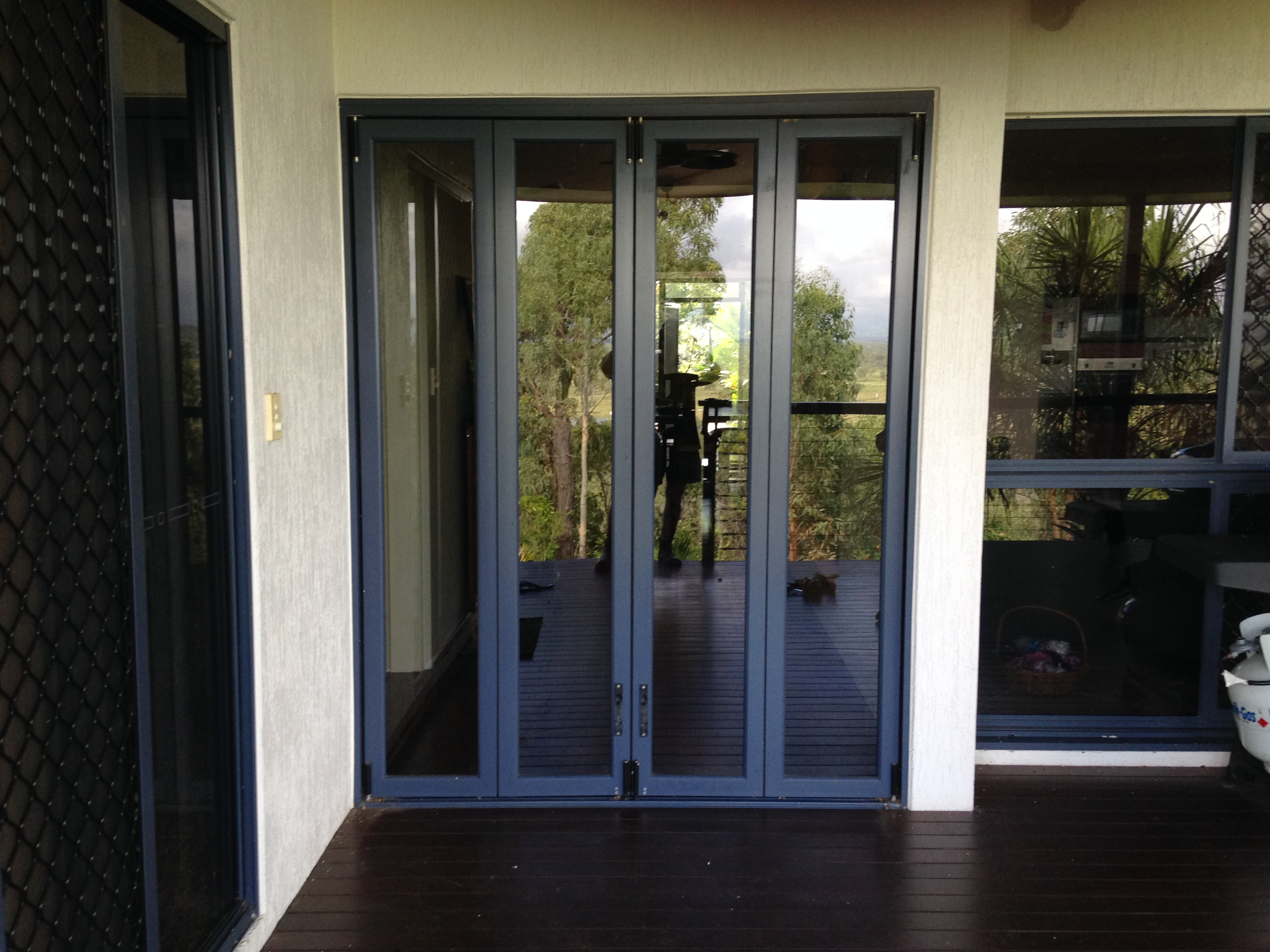 Bifold door screen 2 before - glass door closed