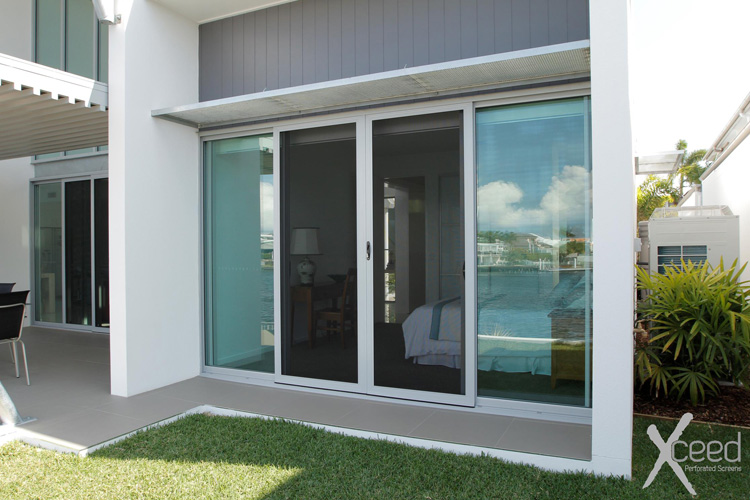 Xceed sliding door